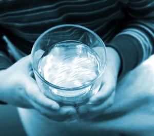 Armani susţine campania Aqua For Life