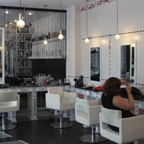 Un loc frumos, oameni frumoși, culoare frumoasă: Egoist Salon