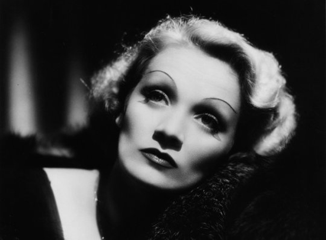 Marlene-Dietrich-Look-Makeup-Max-Factor